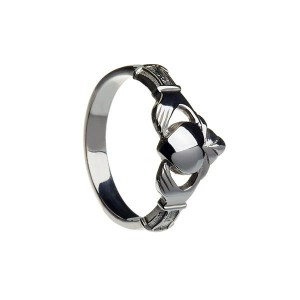 Silver Ladies New York Claddagh Ring