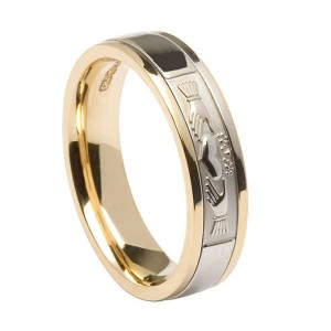 Gold Claddagh Signature Wedding Band